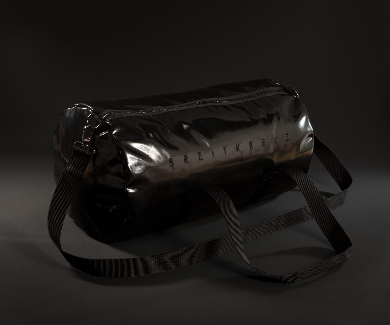 Breitkreuz Sporttasche aus schwarzem Planenstoff
