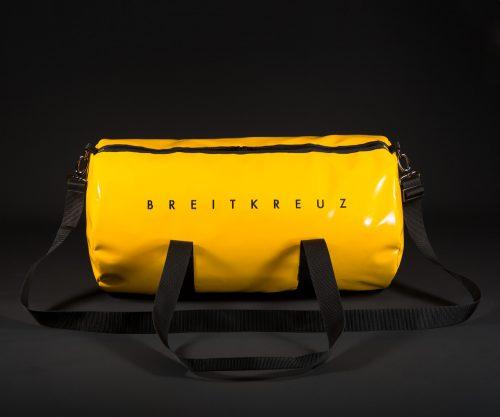 Breitkreuz Sporttasche aus gelbem Planenstoff