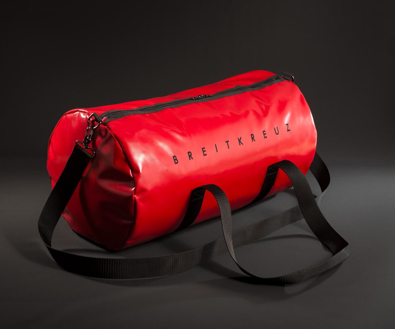 Breitkreuz Sporttasche aus rotem Planenstoff