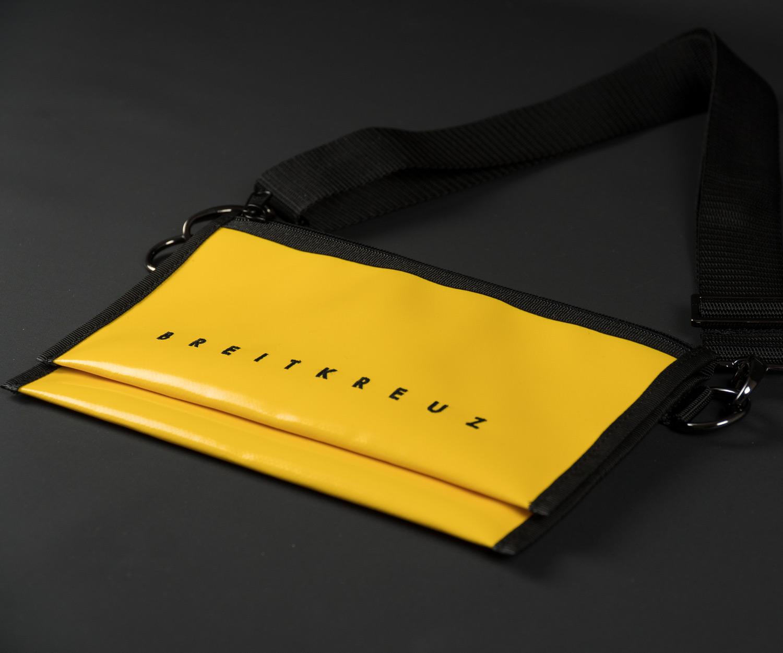 Breitkreuz Brusttasche Plane Gelb